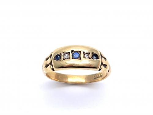 An Old 15ct Sapphire & Diamond 5 Stone Ring