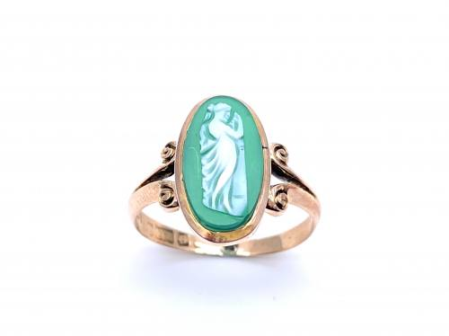 An Old 9ct Green Cameo Ring