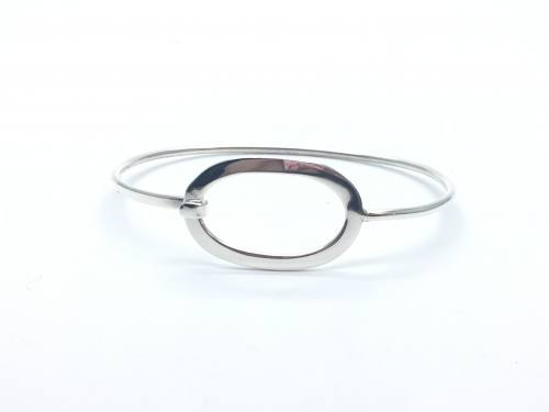 Silver Oval Clasp Bangle