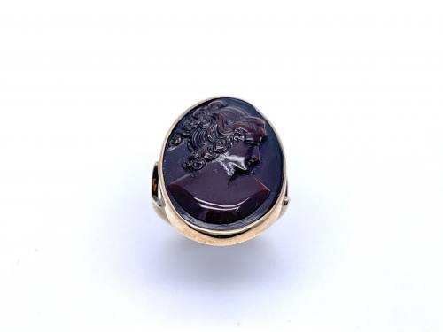 An Old Cameo Ring