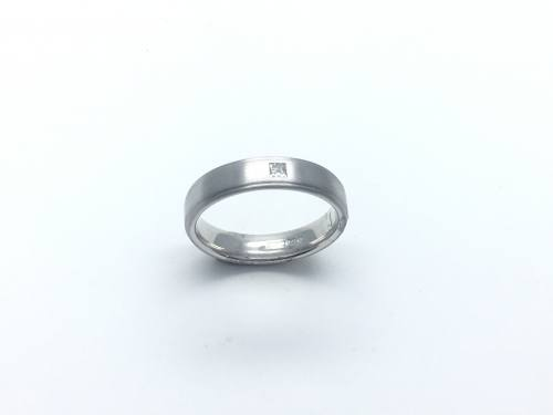 9ct Diamond Brushed Wedding Band