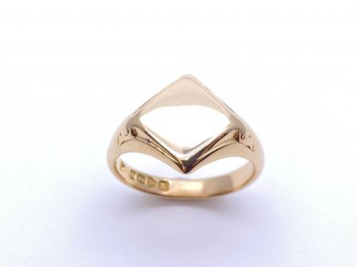 An 18ct Yellow Gold Signet Ring 1923 Chest